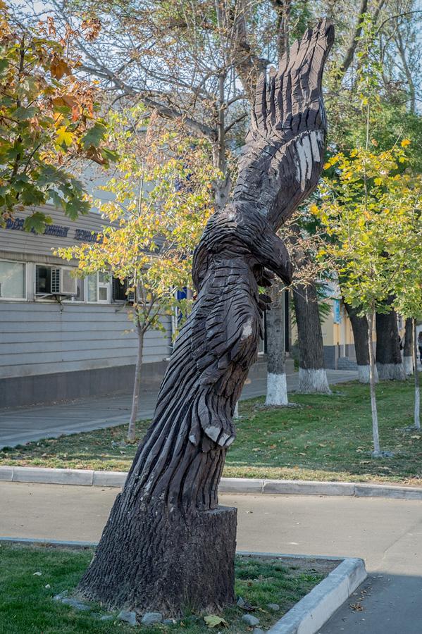 derevyanniestatui 13 Деревянные скульптуры в Симферополе