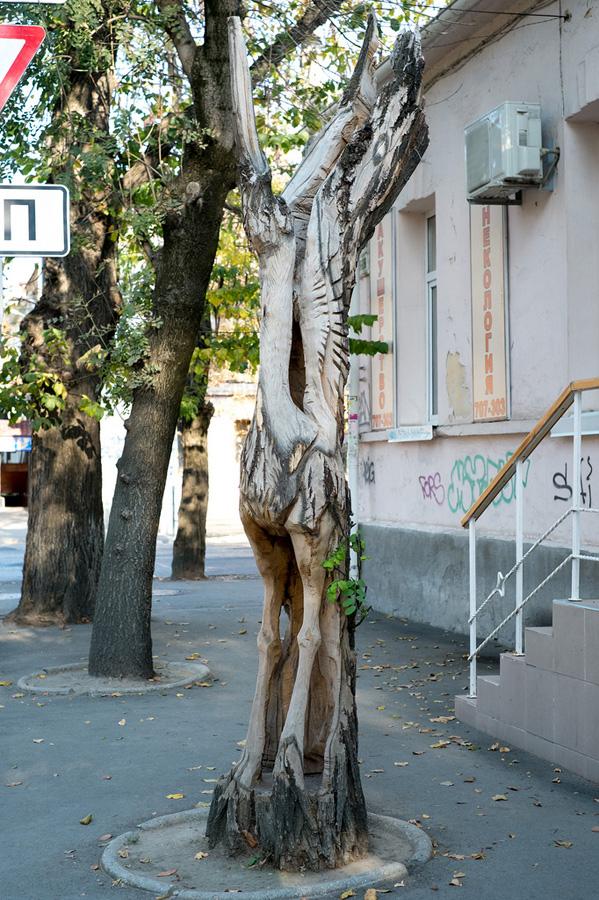 derevyanniestatui 8 Деревянные скульптуры в Симферополе