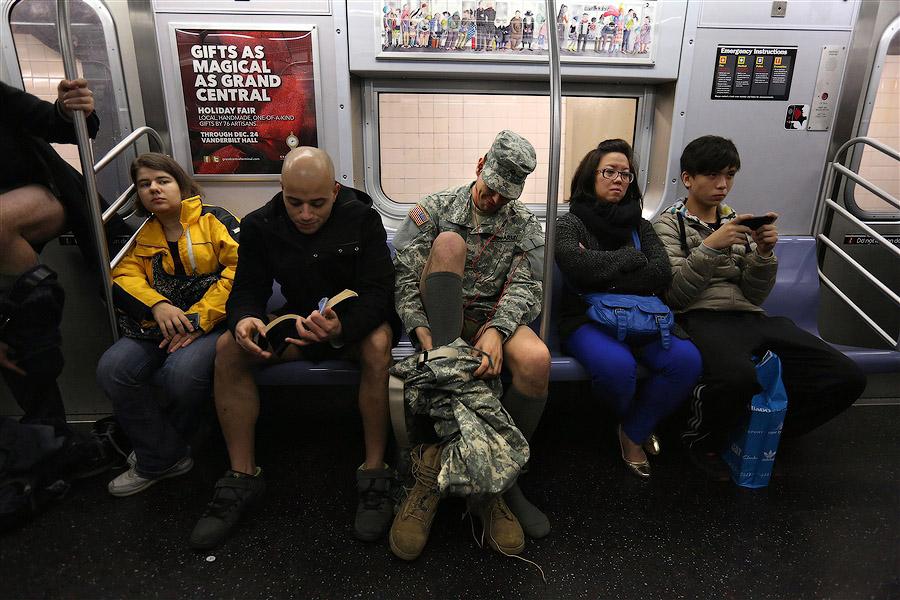 flash mt В метро без штанов   2013