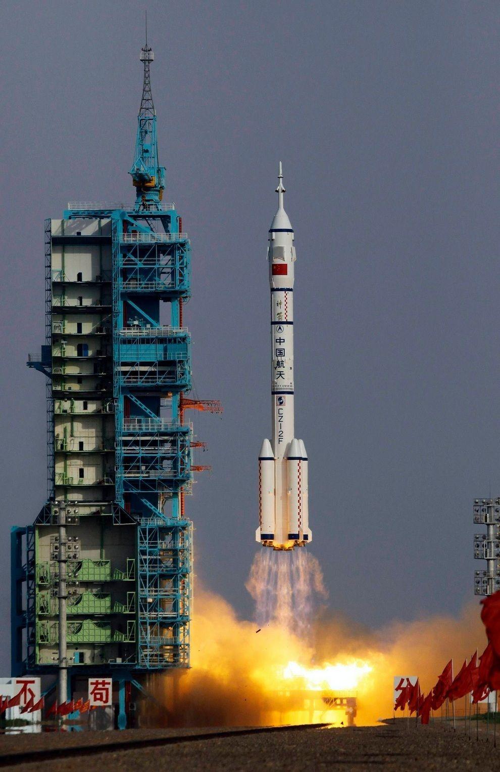 fromspace08 Космос 2012: Избранные события и фотографии