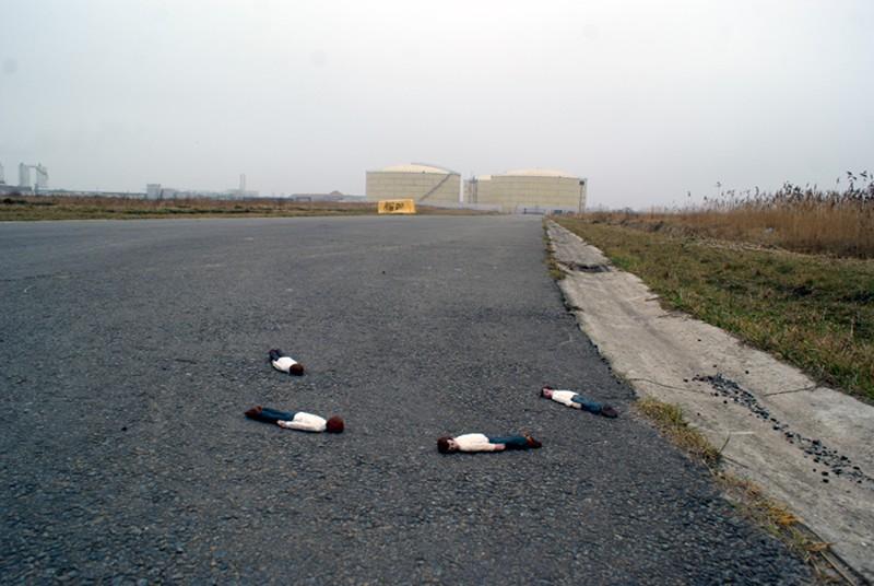 isaaccordal07 Пугающие инсталляции Айзека Кордала