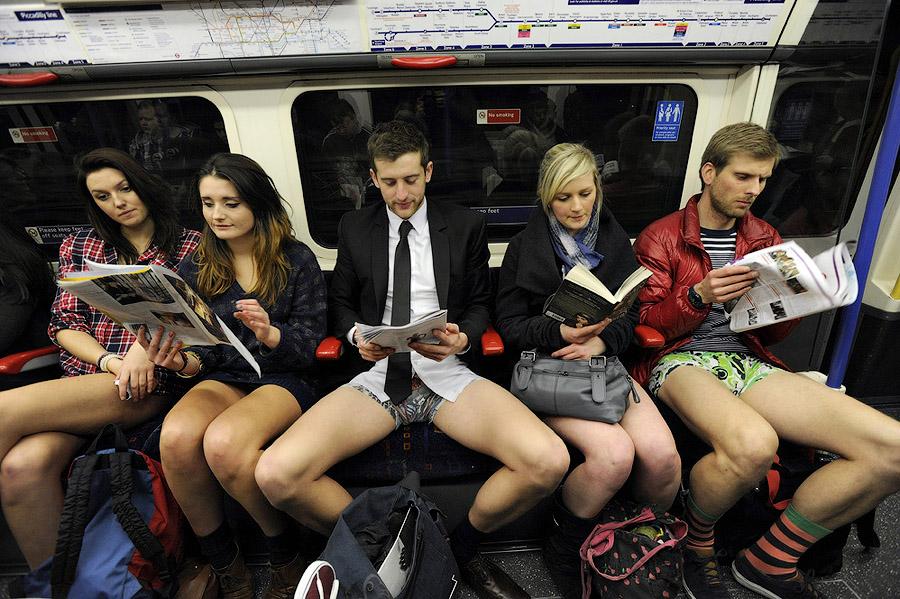 londonefe2 В метро без штанов   2013
