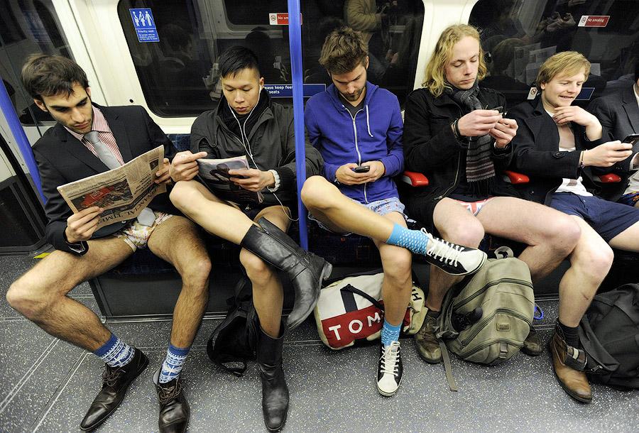 londonefe4 В метро без штанов   2013