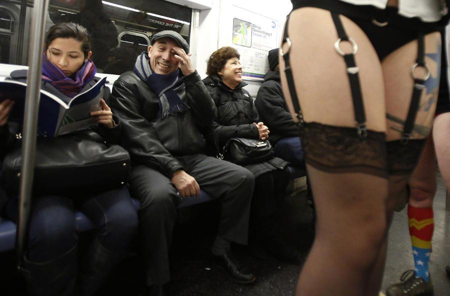 miscelanious011 В метро без штанов   2013