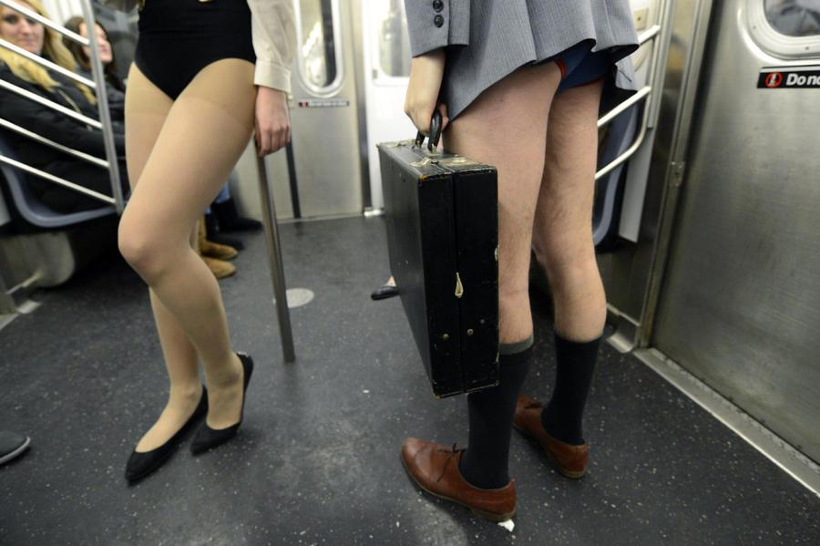 miscelanious02 В метро без штанов   2013