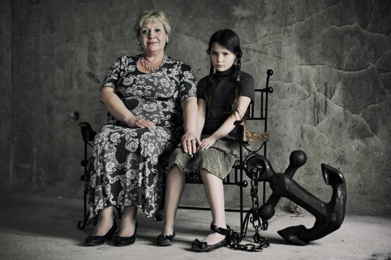oborotnayastoronamaterinskoylyubvi 10 Фотопроект Оборотная сторона материнской любви фотографа Анна Радченко