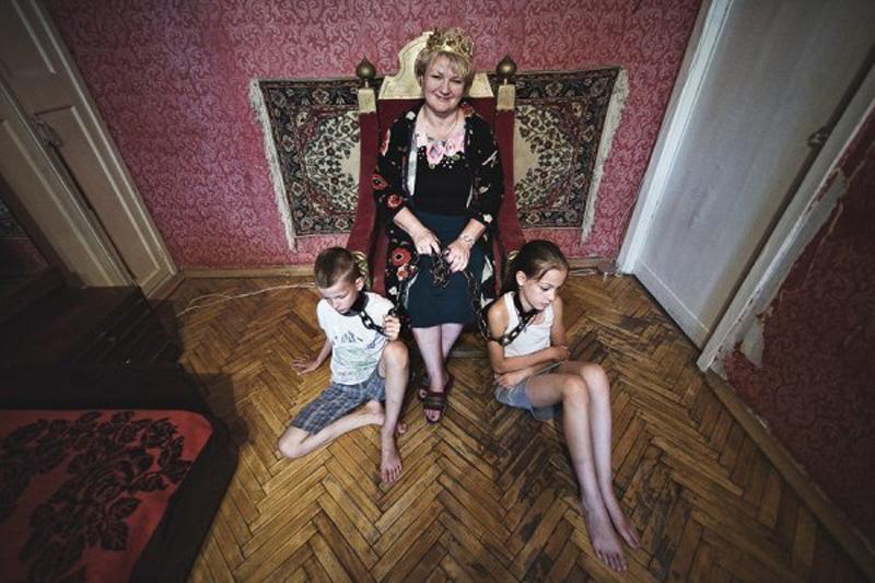 oborotnayastoronamaterinskoylyubvi 3 Фотопроект Оборотная сторона материнской любви фотографа Анна Радченко