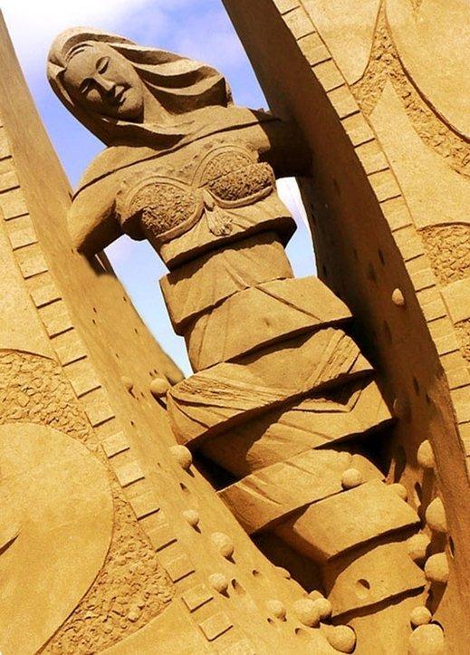 peschannieskulpturi 1 Удивительные песчаные скульптуры от китайского мастера