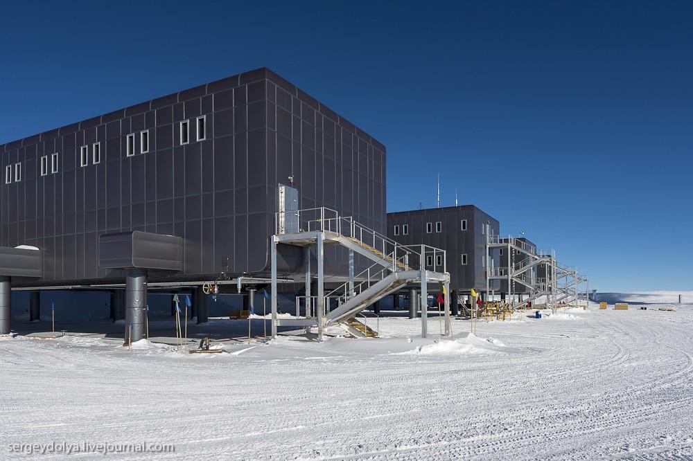 restation10 Антарктическая станция на Южном полюсе Амундсен   Скотт