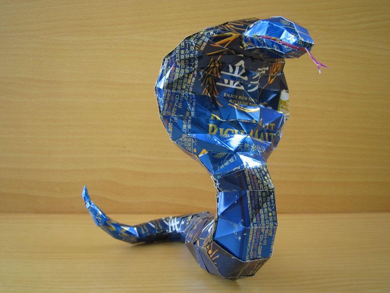 skulpturiizjeleznixbanok 5 Cкульптуры из пивных банок