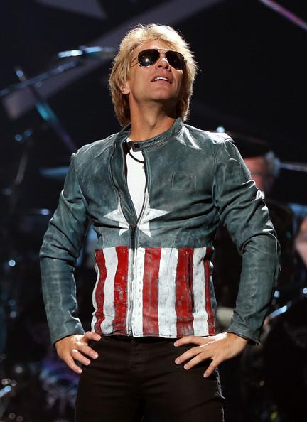 visokooplachivaemiemuzikanti 6 10 самых высокооплачиваемых музыкантов 2012 года
