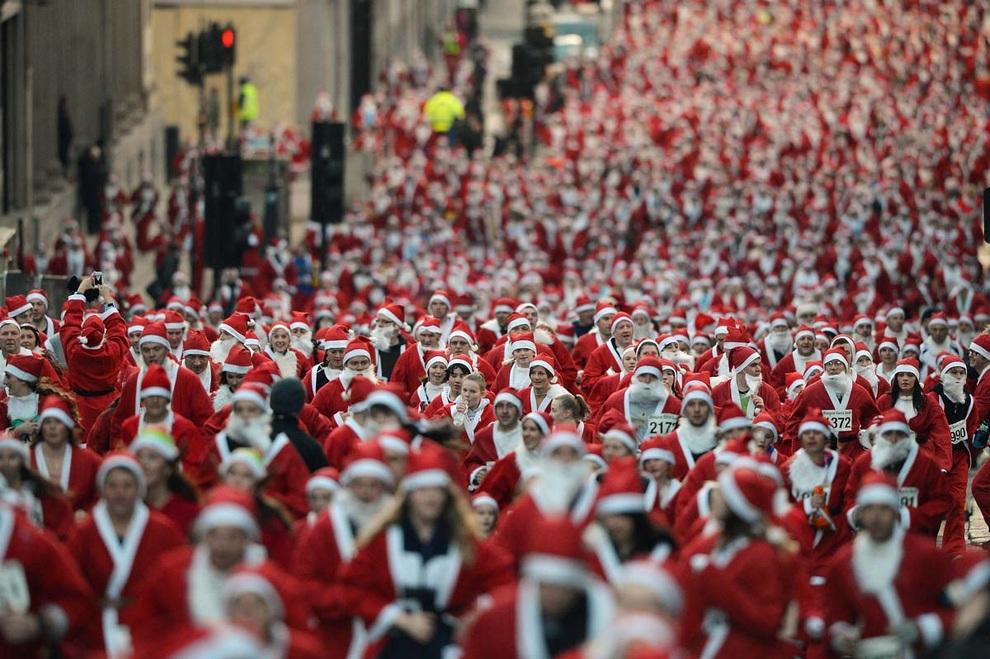zabegisanti 1 Забеги Санта Клаусов охватили Европу