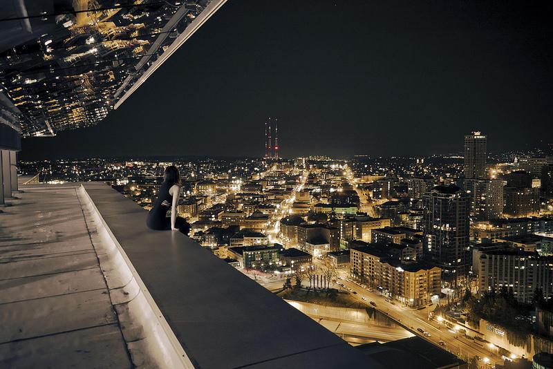 0 9f2a5 girl over a precipice metropolis