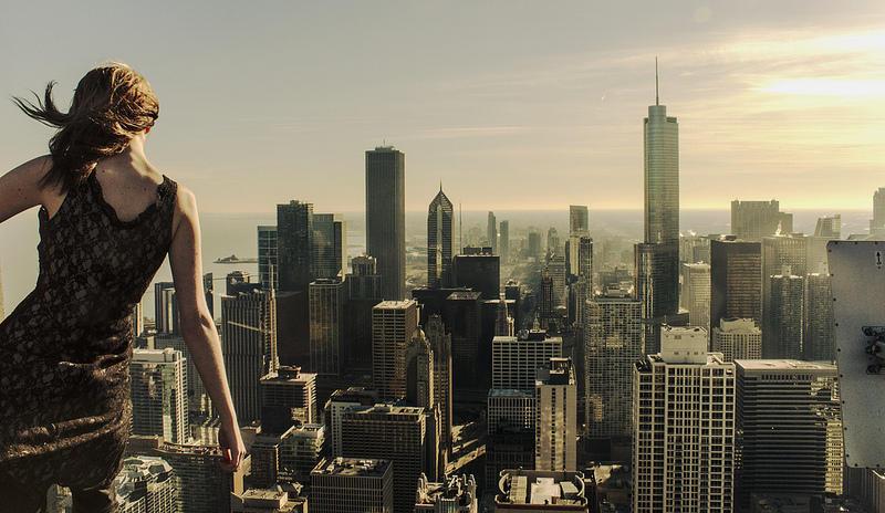 0 9f2aa girl over a precipice metropolis