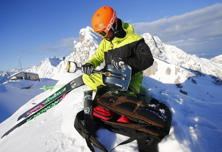 Innsbruck02 Горнолыжный спуск в небе над Инсбруком