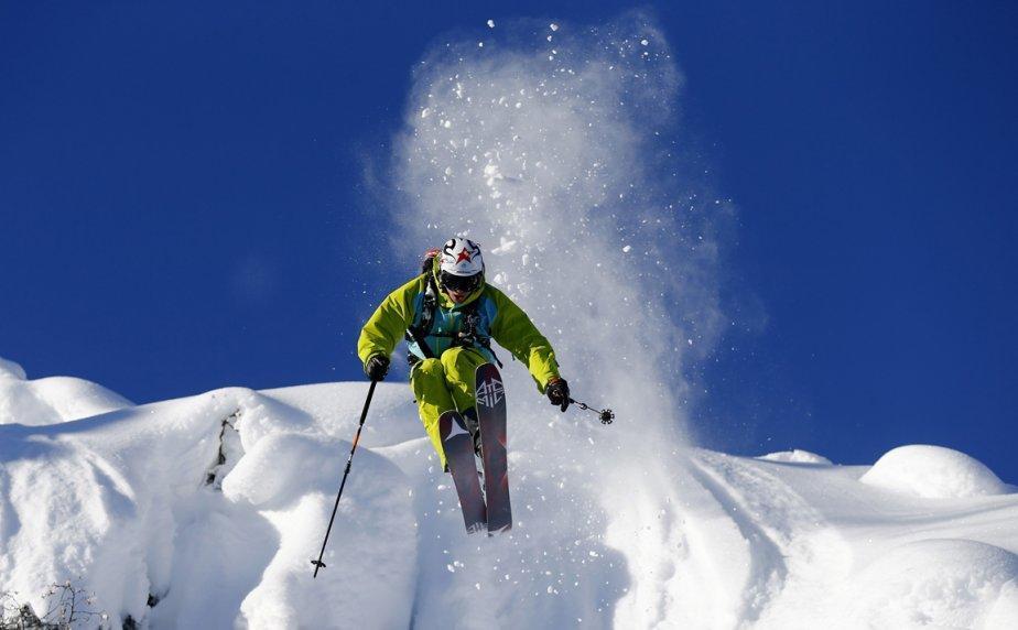 Innsbruck04 Горнолыжный спуск в небе над Инсбруком