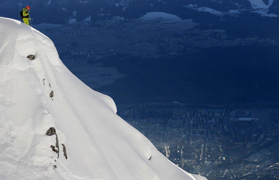 Innsbruck06 Горнолыжный спуск в небе над Инсбруком