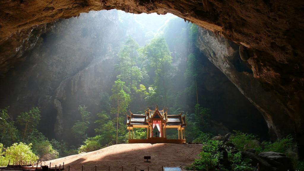 PhrayaNakon01 Пещера Пхрая Након в Таиланде
