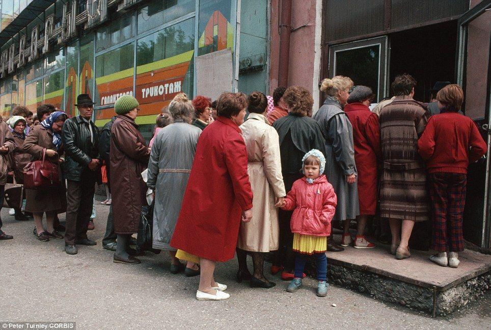endofussr05 Фотографии о последних днях СССР