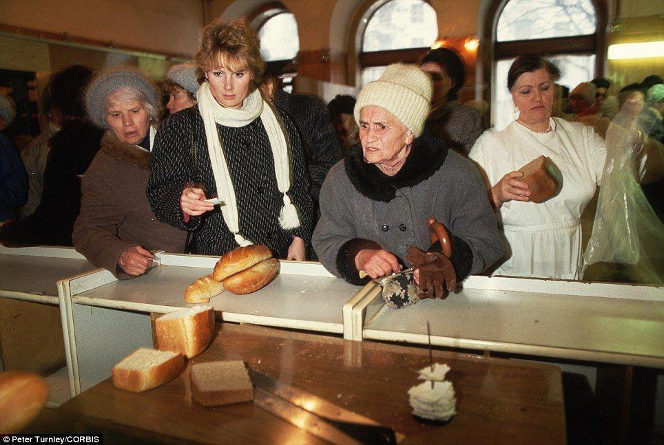 endofussr09 Фотографии о последних днях СССР