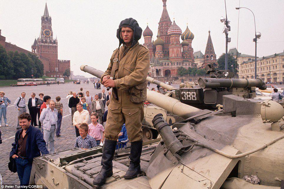endofussr12 Фотографии о последних днях СССР
