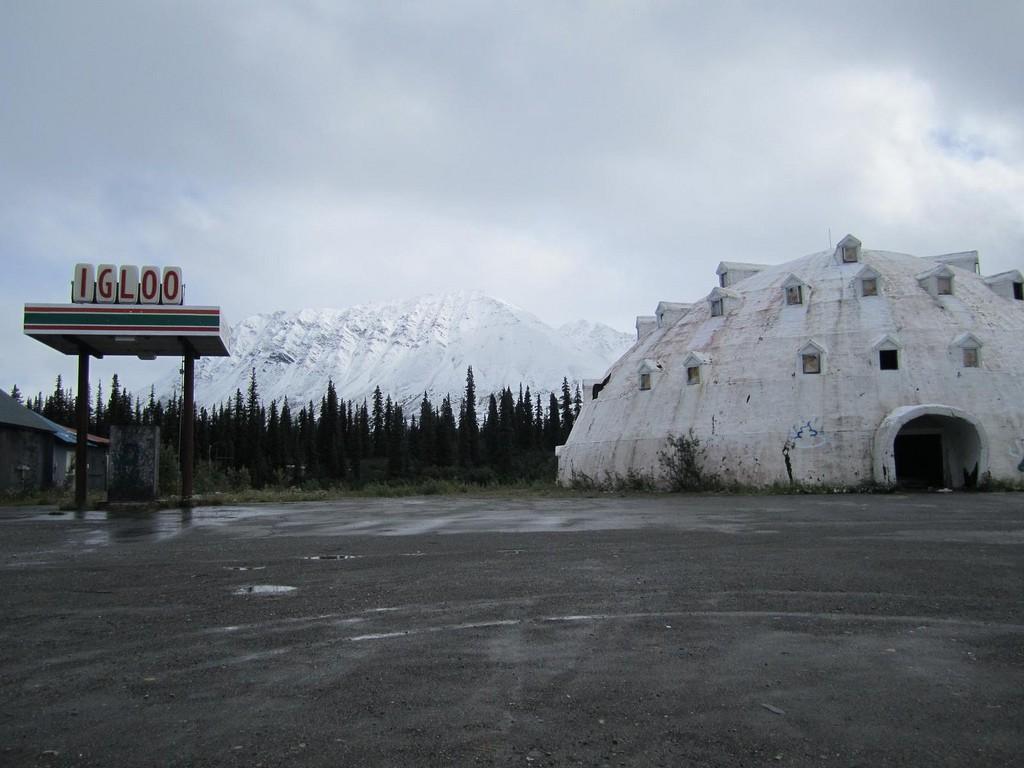 igloohotel01 Заброшенный отель иглу на Аляске