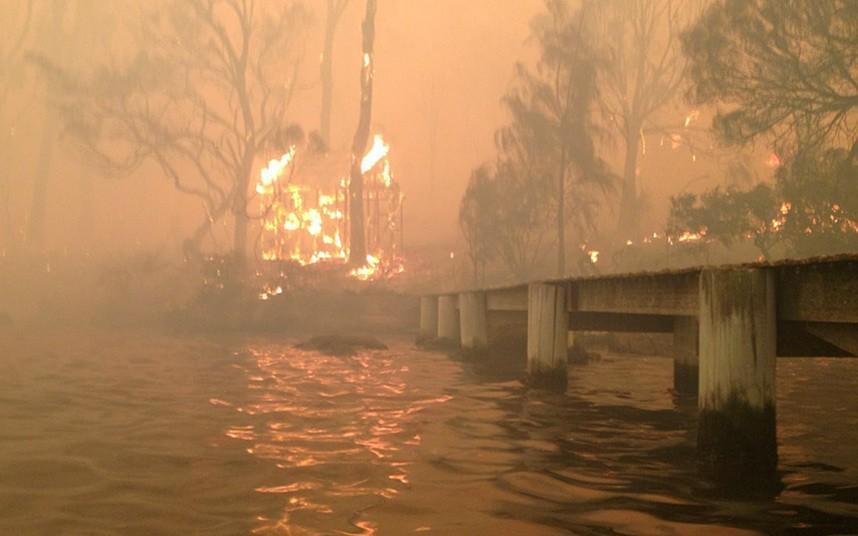 In Australia infire04 family was saved from a fire at sea