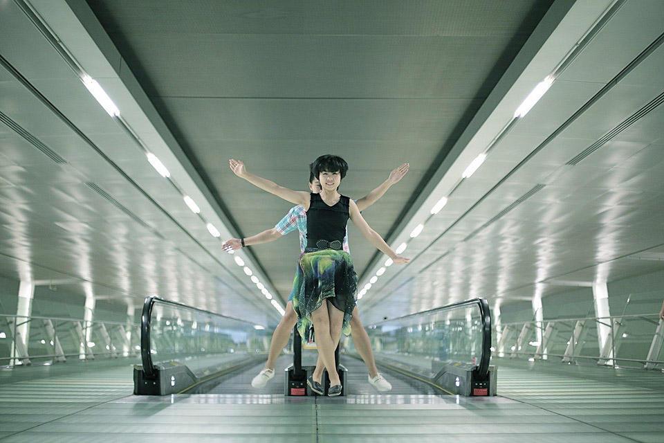 levitationsg02 Удивительные фотографии парящих в воздухе людей из Сингапура. Никакого фотошопа!
