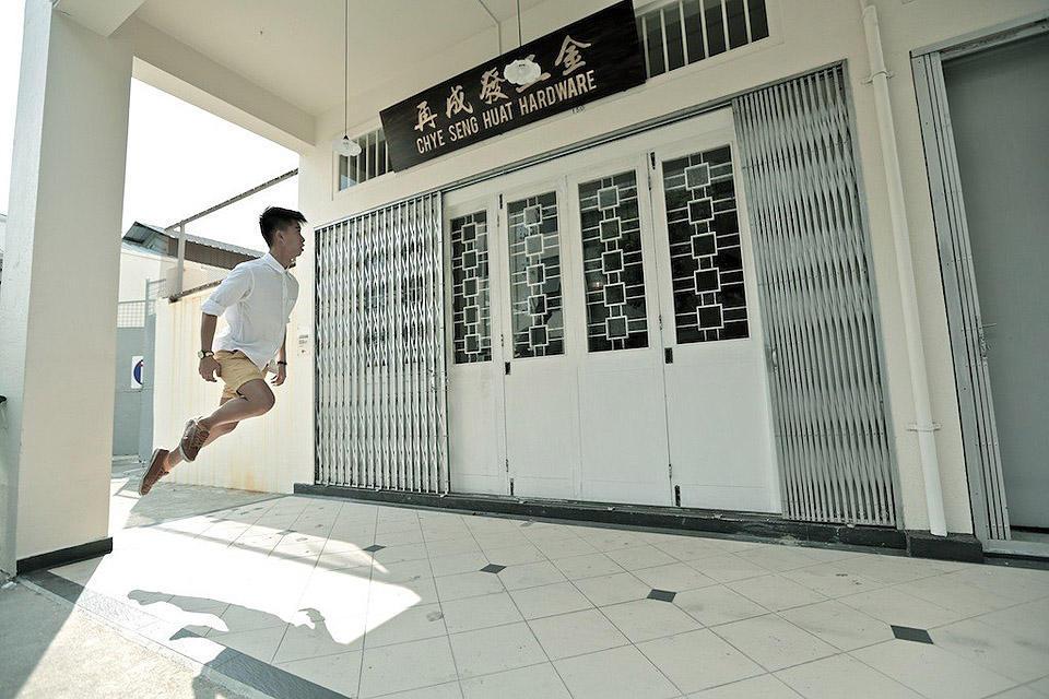 levitationsg09 Удивительные фотографии парящих в воздухе людей из Сингапура. Никакого фотошопа!