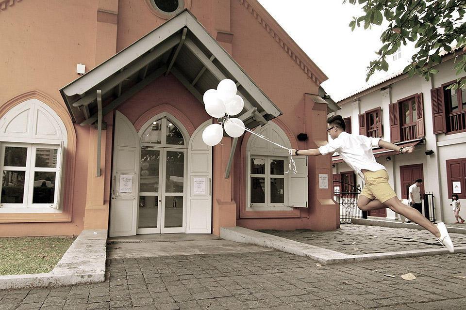 levitationsg10 Удивительные фотографии парящих в воздухе людей из Сингапура. Никакого фотошопа!