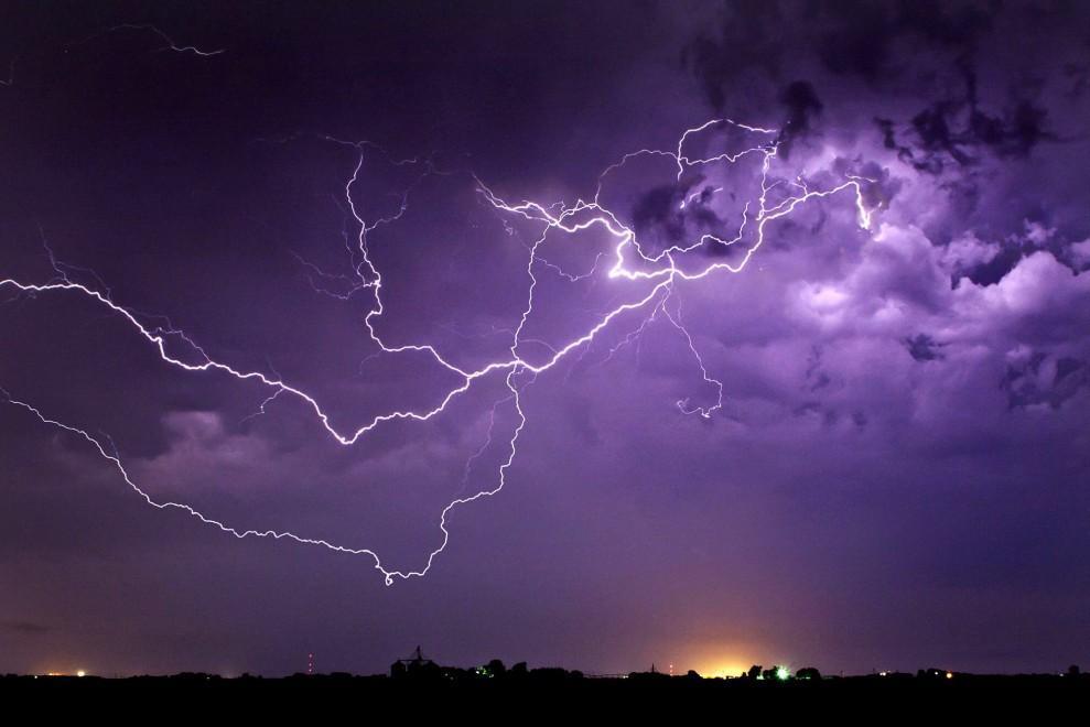 0 a263c  Джейсон Уэйнгарт, «охотник за молниями»