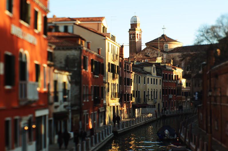 http://bigpicture.ru/wp-content/uploads/2013/02/Venezia03.jpg