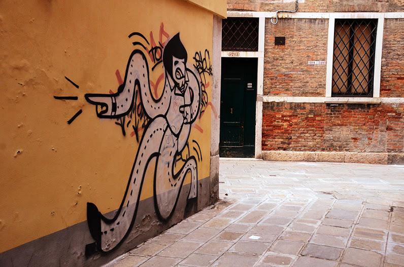 http://bigpicture.ru/wp-content/uploads/2013/02/Venezia09.jpg