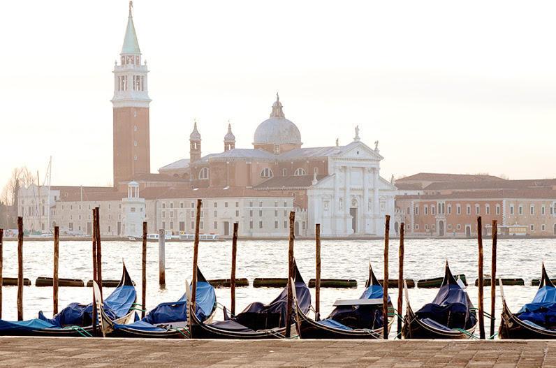 http://bigpicture.ru/wp-content/uploads/2013/02/Venezia10.jpg