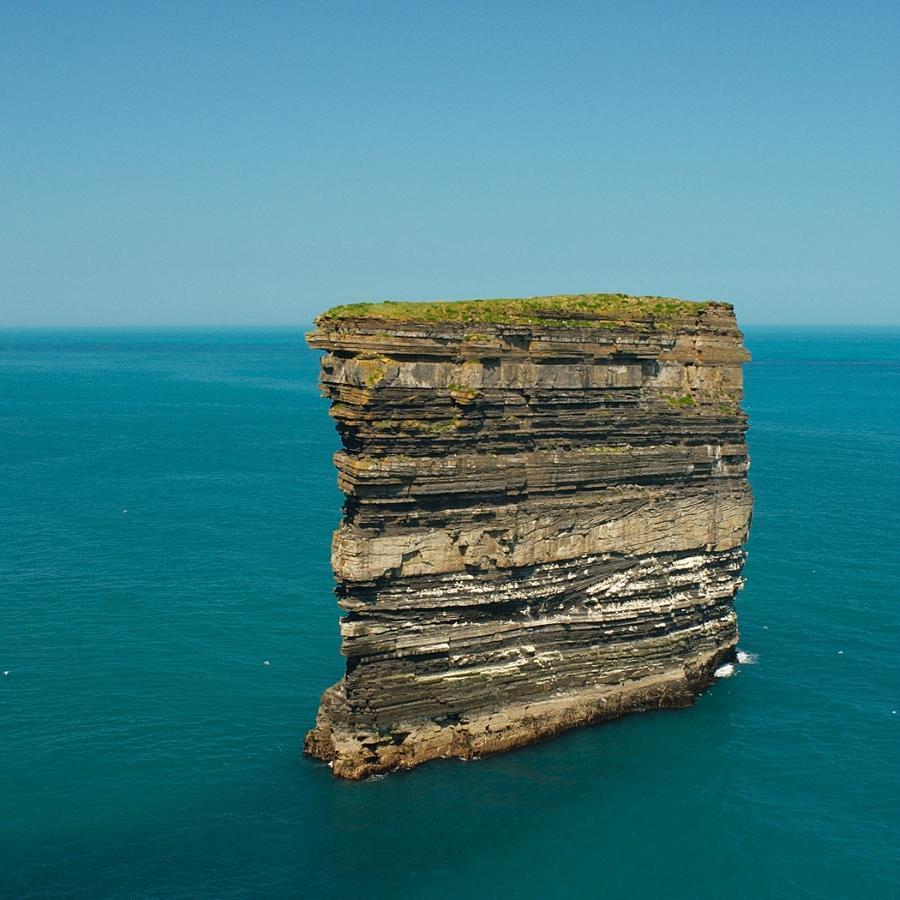 rocks01 Самые красивые и необычные морские скалы
