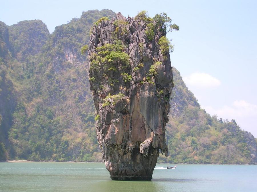 rocks14 Самые красивые и необычные морские скалы