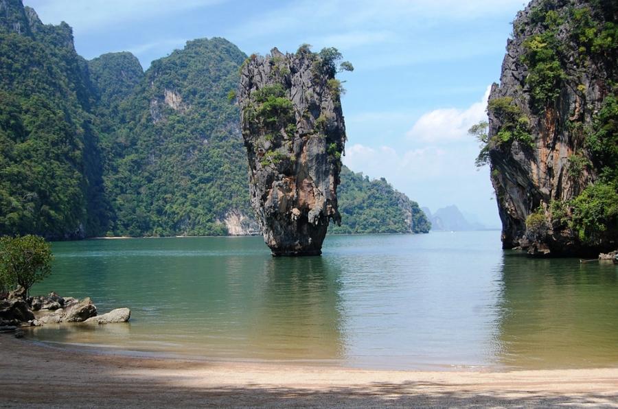 rocks15 Самые красивые и необычные морские скалы