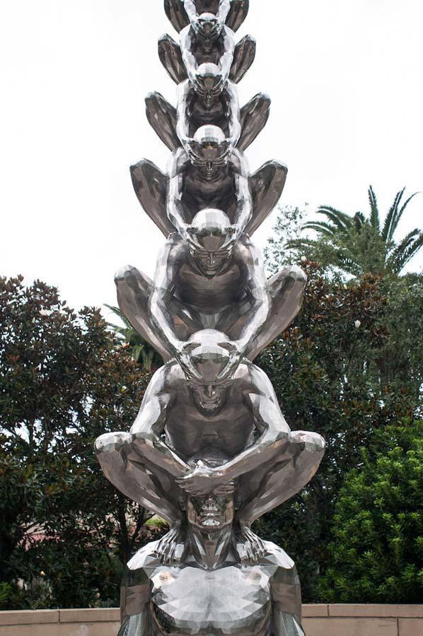 Памятник Карме
