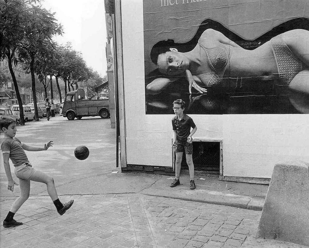 ROBERT DOISNEAU 27罗伯特Doisneau  - 在巴黎的照片的人,谁唱