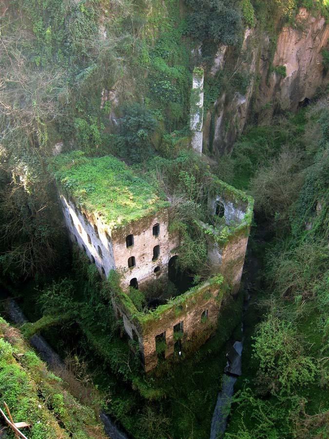 The 33 Most Beautiful Abandoned Places In The World 23 Самые красивые заброшенные места в мире