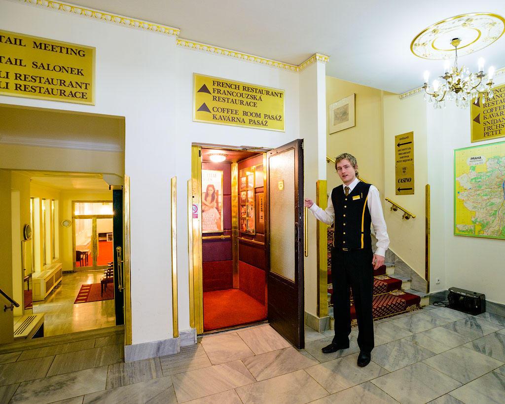ambassador05 Пятерка необычных отелей Праги
