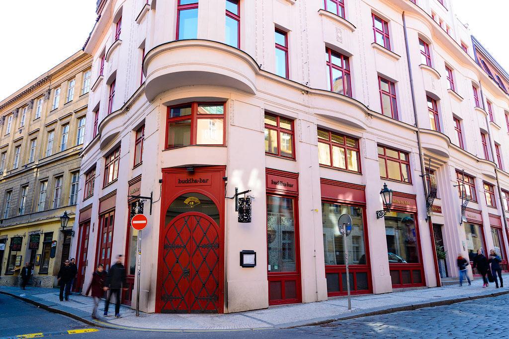 buddabarhotel01 Пятерка необычных отелей Праги