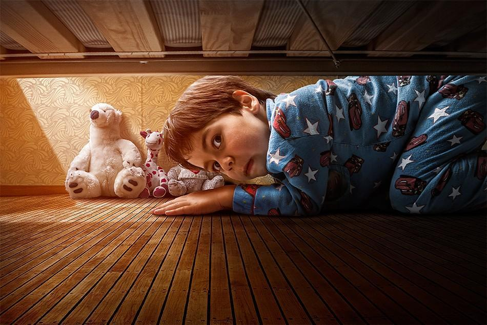 childhood01 Детство в кадре: папа фотографирует сына