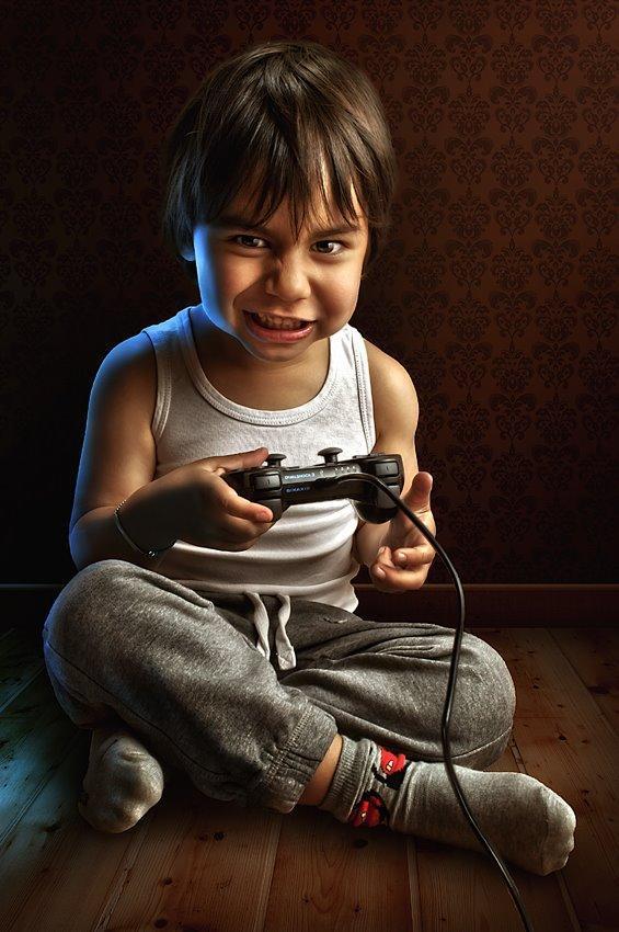 childhood08 Детство в кадре: папа фотографирует сына