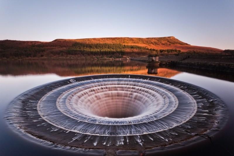Портал в иные миры — воронка на водохранилище Ледибауэр