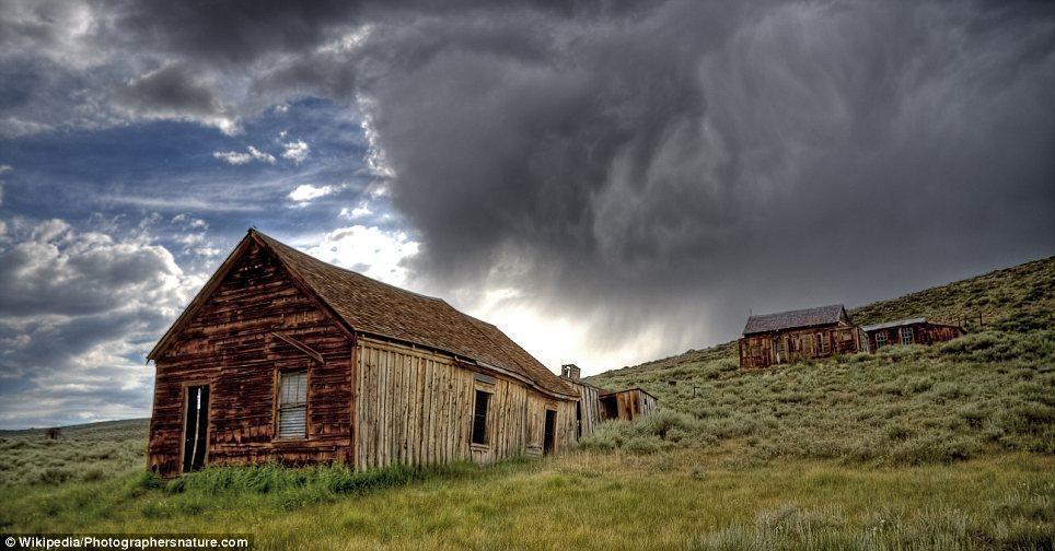 haunting images of abandoned towns 12 Мир в руинах