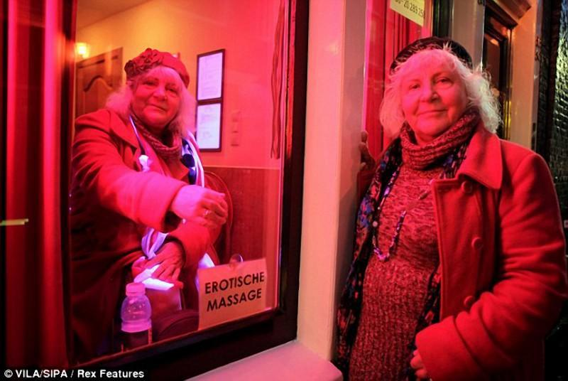 hookers03 Самые старые проститутки Амстердама ушли на пенсию