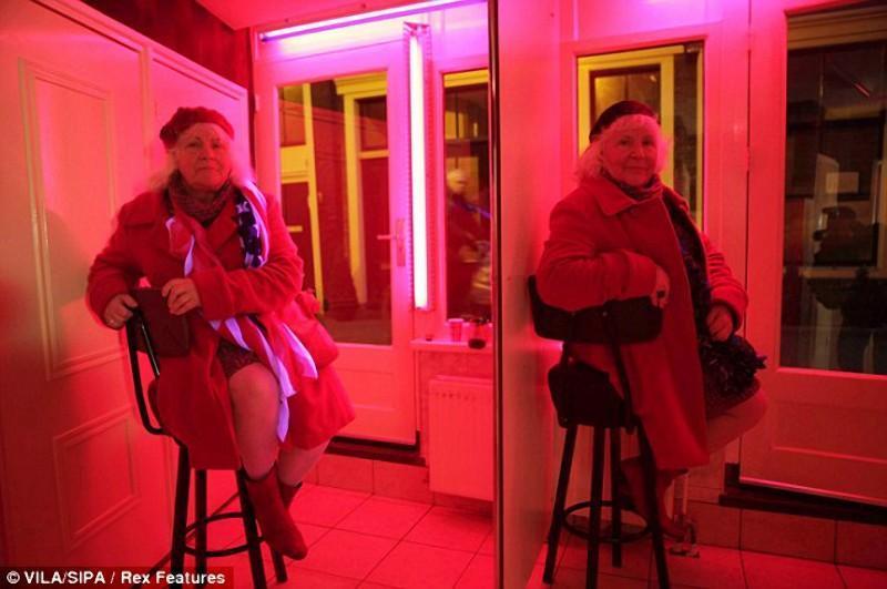 hookers04 Самые старые проститутки Амстердама ушли на пенсию
