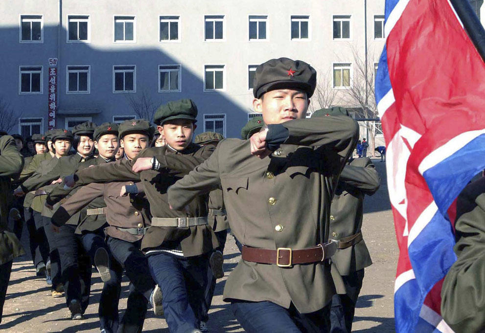 koreaivoennayamashina 11 Северная Корея привела ракеты в боевую готовность и целится в США