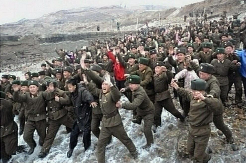 koreaivoennayamashina 14 Северная Корея привела ракеты в боевую готовность и целится в США